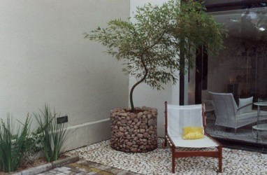 Minimalist furniture for your outdoor area 21