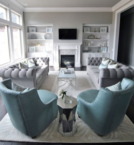 Design a living room in a small space that remains comfortablel 17