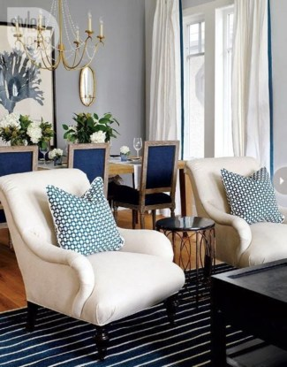 Design a living room in a small space that remains comfortablel 33