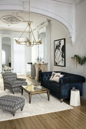 The design of the living room looks luxurious 04