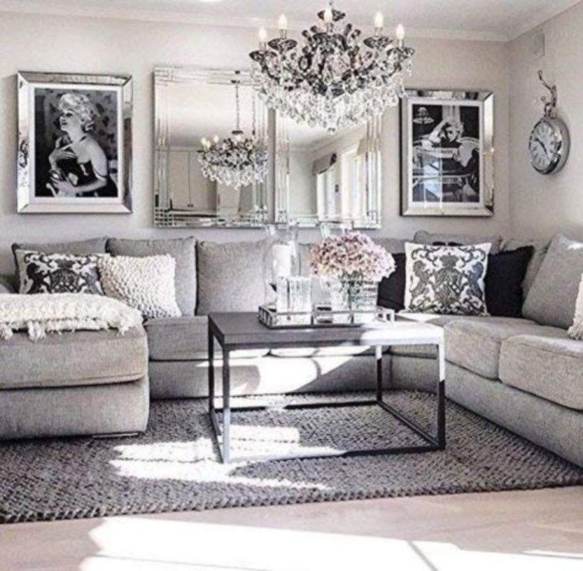 The design of the living room looks luxurious 19