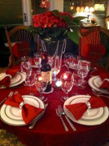 Dining table decor for dinner with a partner on valentine's day 27