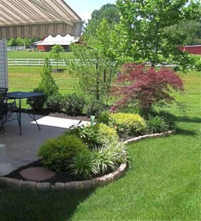 Garden exterior design ideas using grass that make your home more fresh 14