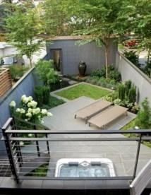 Garden exterior design ideas using grass that make your home more fresh 20