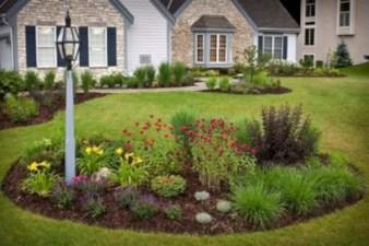 Garden exterior design ideas using grass that make your home more fresh 26