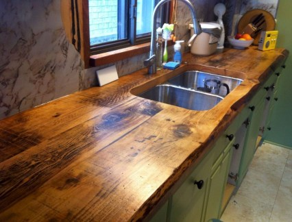 Rustic kitchen cabinet design ideas are very popular this year 15