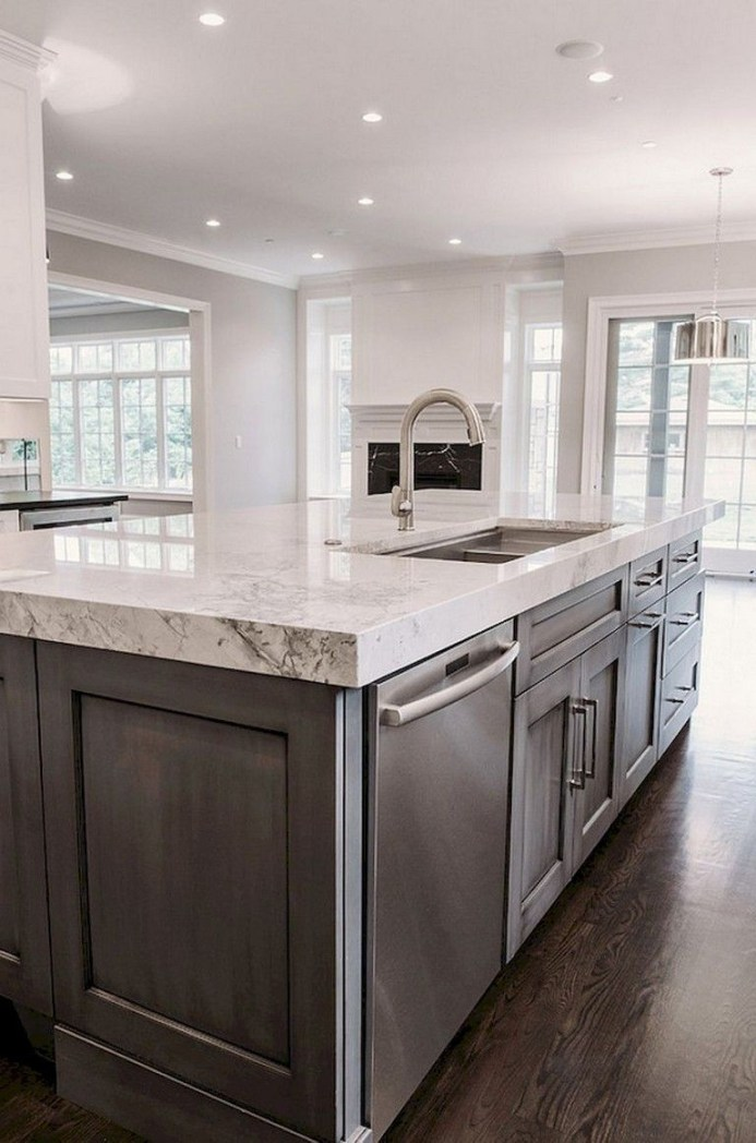 Rustic kitchen cabinet design ideas are very popular this year 34