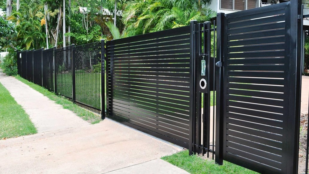 The best fence wooden design that you can try in your home 19