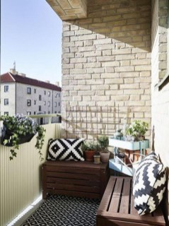 Beauty view design ideas for balcony apartment that make you cozy 29