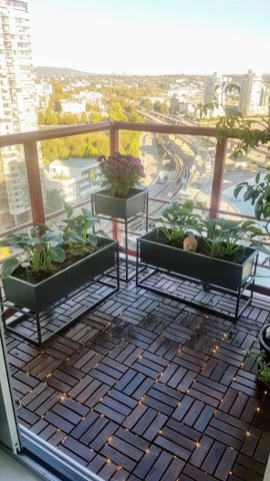 Beauty view design ideas for balcony apartment that make you cozy 36