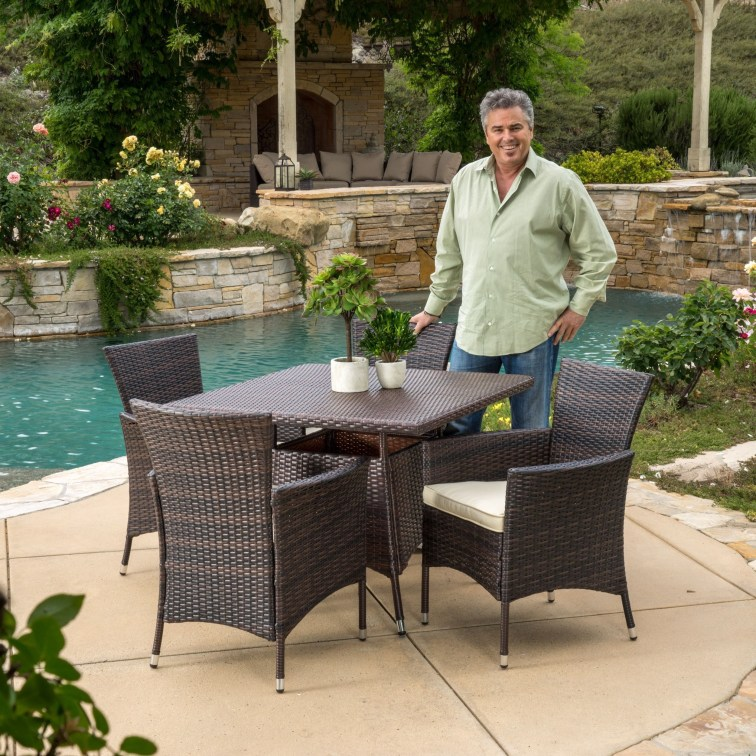 The best backyard design ideas for family gathering parks 44