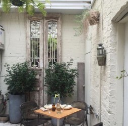 The best mini bar design ideas in balcony apartment 25
