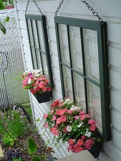 Exterior decoration ideas with flower in window 21