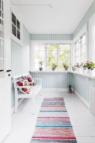Exterior decoration ideas with flower in window 43