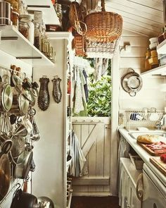 Wood kitchenset design ideas that you can try 15