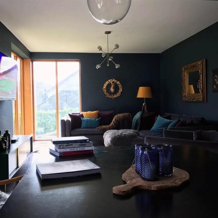 Living room gray wall color design ideas 03