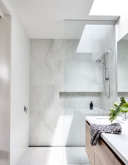 Minimalist bathroom design ideas 42