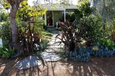 Modern&minimalist frontyard desgin ideas 27