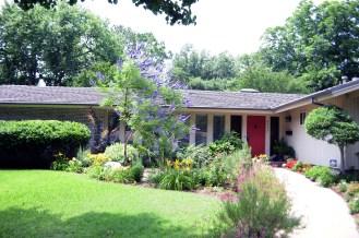 Modern&minimalist frontyard desgin ideas 33