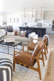 Livingroom design ideas to make look confortable for guest 27