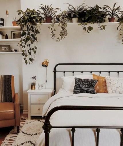 Romantic bedroom decorating ideas in your apartment 31