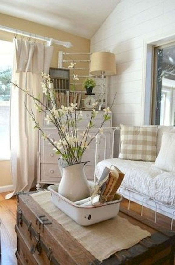 Spring living room design ideas that you can copy right now 18