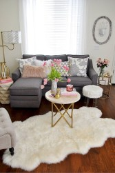 Spring living room design ideas that you can copy right now 28