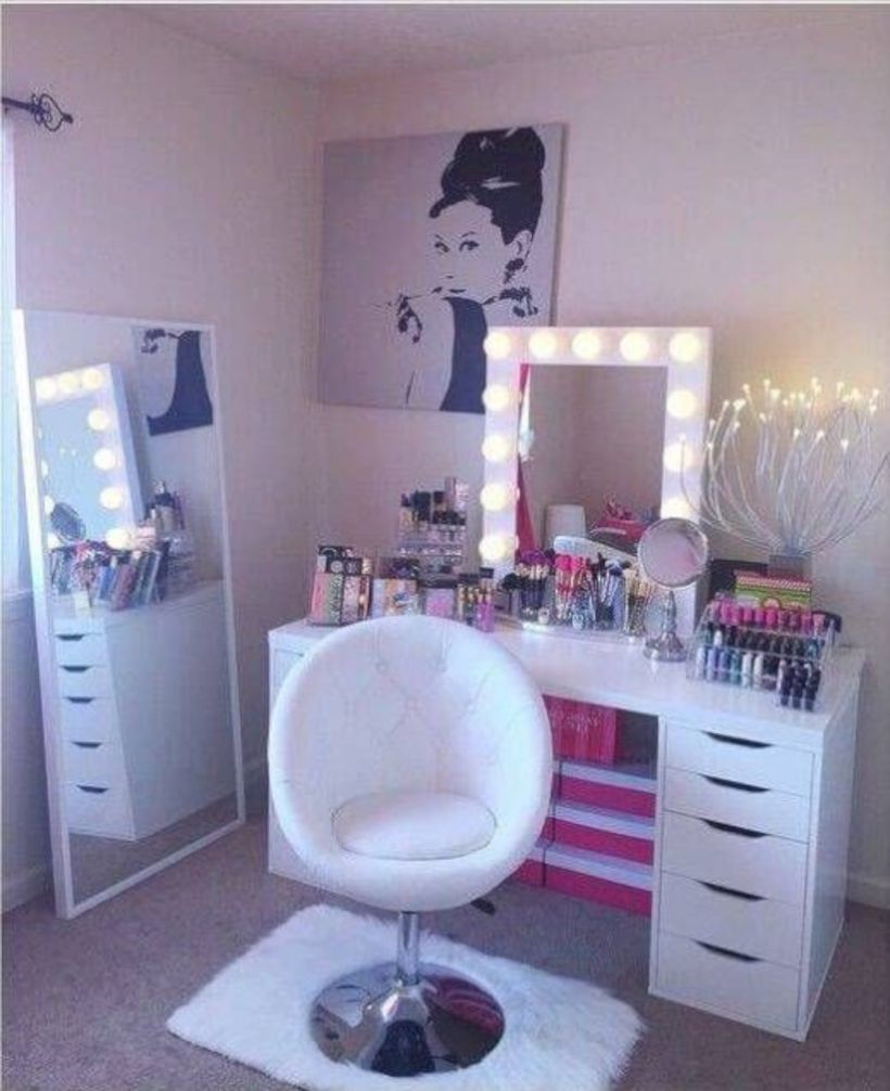 The best makeup table design ideas that you must copy right now 17