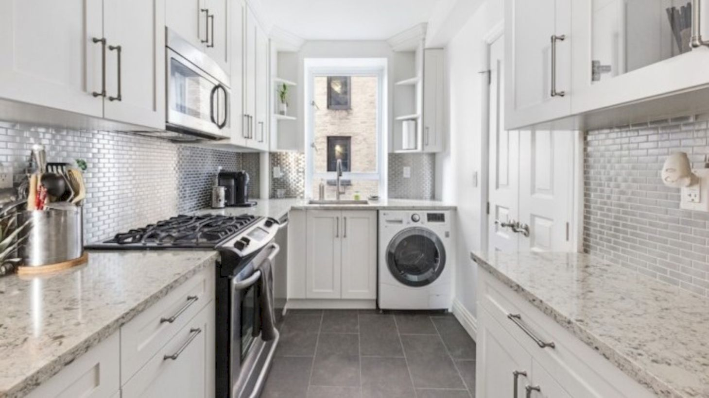 51 Inspiring Small Laundry Room Design Ideas In Spring