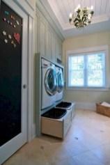 Inspiring small laundry room design ideas in spring 2019 04