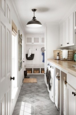 Inspiring small laundry room design ideas in spring 2019 27