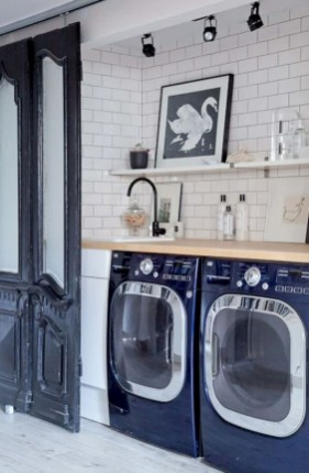 Inspiring small laundry room design ideas in spring 2019 49