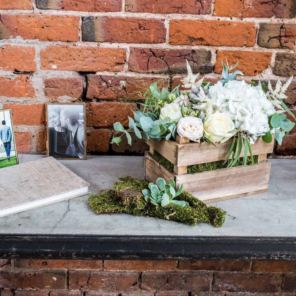 Inspiring wooden box ideas for flower that you can try 02