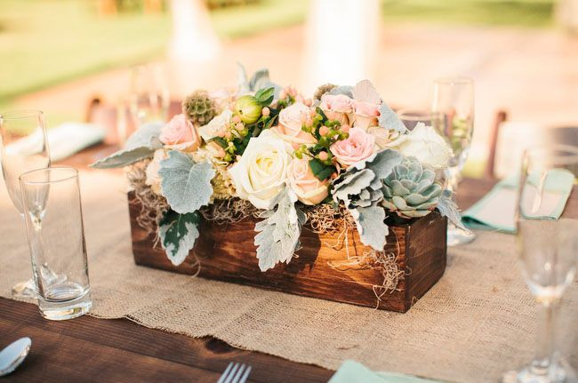 Inspiring wooden box ideas for flower that you can try 15