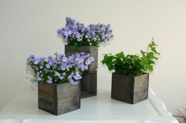 Inspiring wooden box ideas for flower that you can try 23