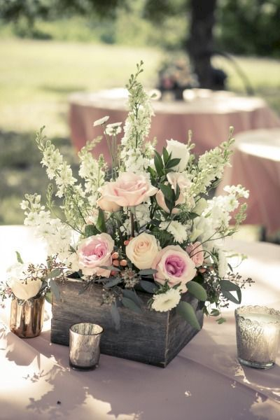 Inspiring wooden box ideas for flower that you can try 29