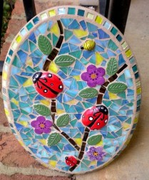 Adorable diy mosaic craft ideas to beautify your home decoration 32