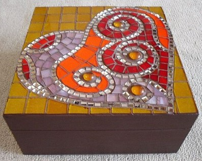 Adorable diy mosaic craft ideas to beautify your home decoration 46