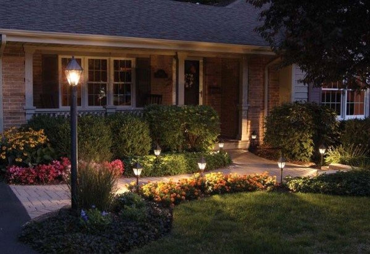 Adorable front yard lighting ideas for your summer night vibe 14