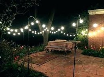 Adorable front yard lighting ideas for your summer night vibe 28
