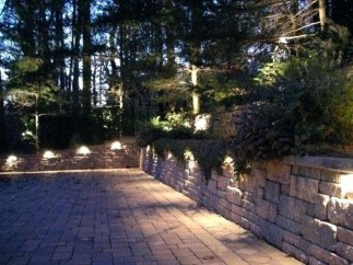 Adorable front yard lighting ideas for your summer night vibe 44