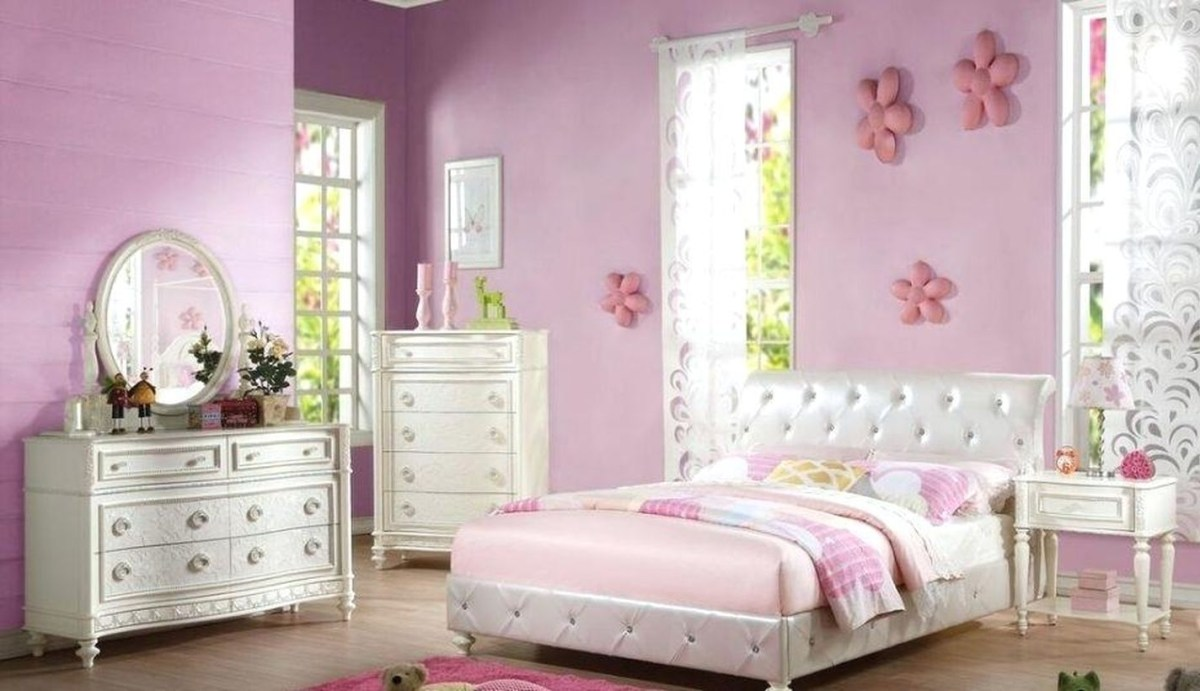 Charming pink bedroom ideas with pink walls, pink blankets, white certain, white bedding, white cabinet storage
