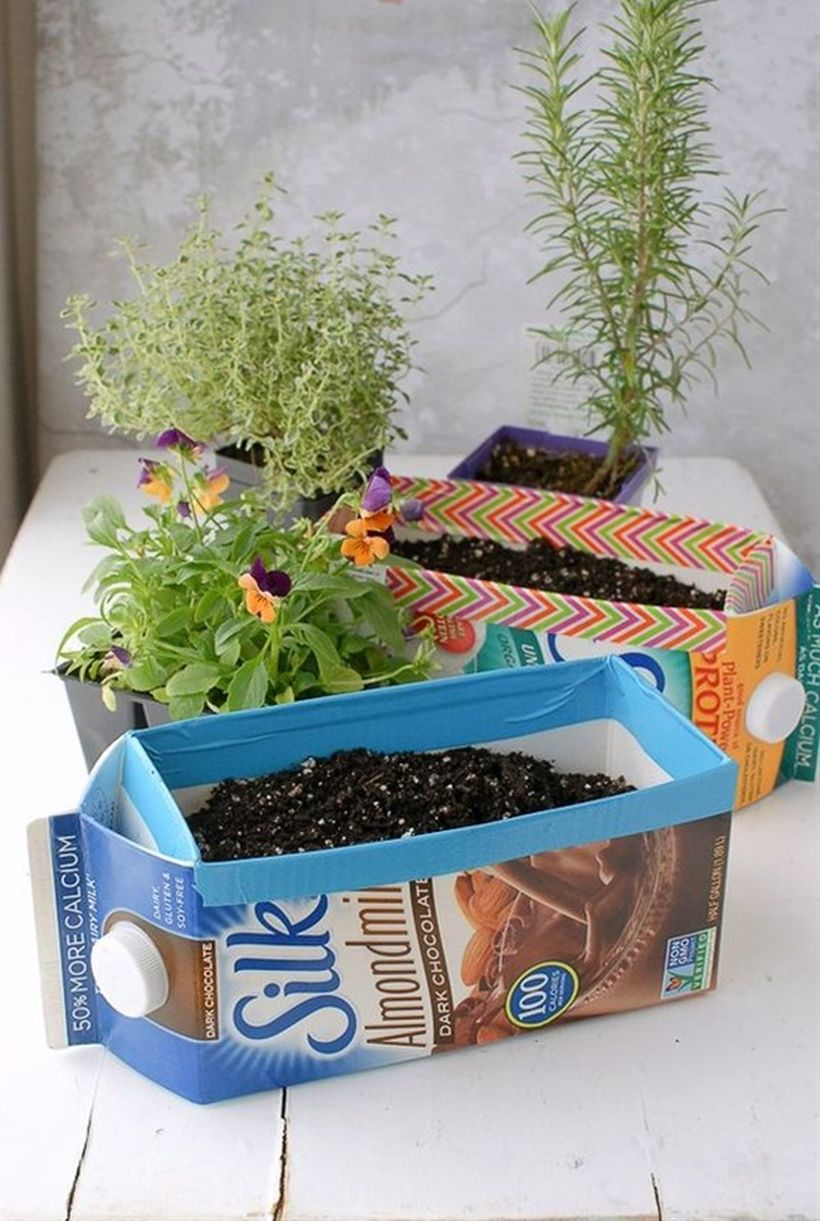 Diy tetra pack vases idea with horizontal design to complete your outdoor room