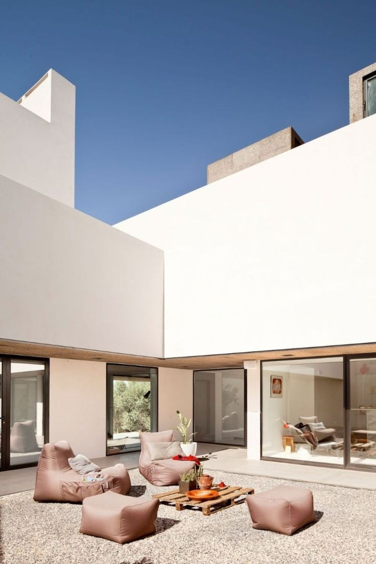 Fascinating summer exterior designs 31
