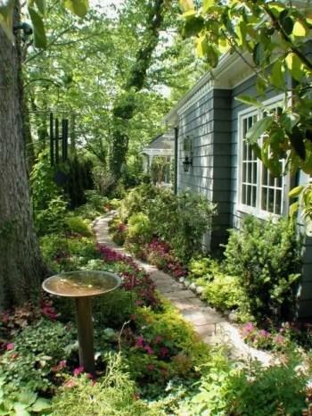 On budget garden walk path ideas for an easy movement around the garden 59