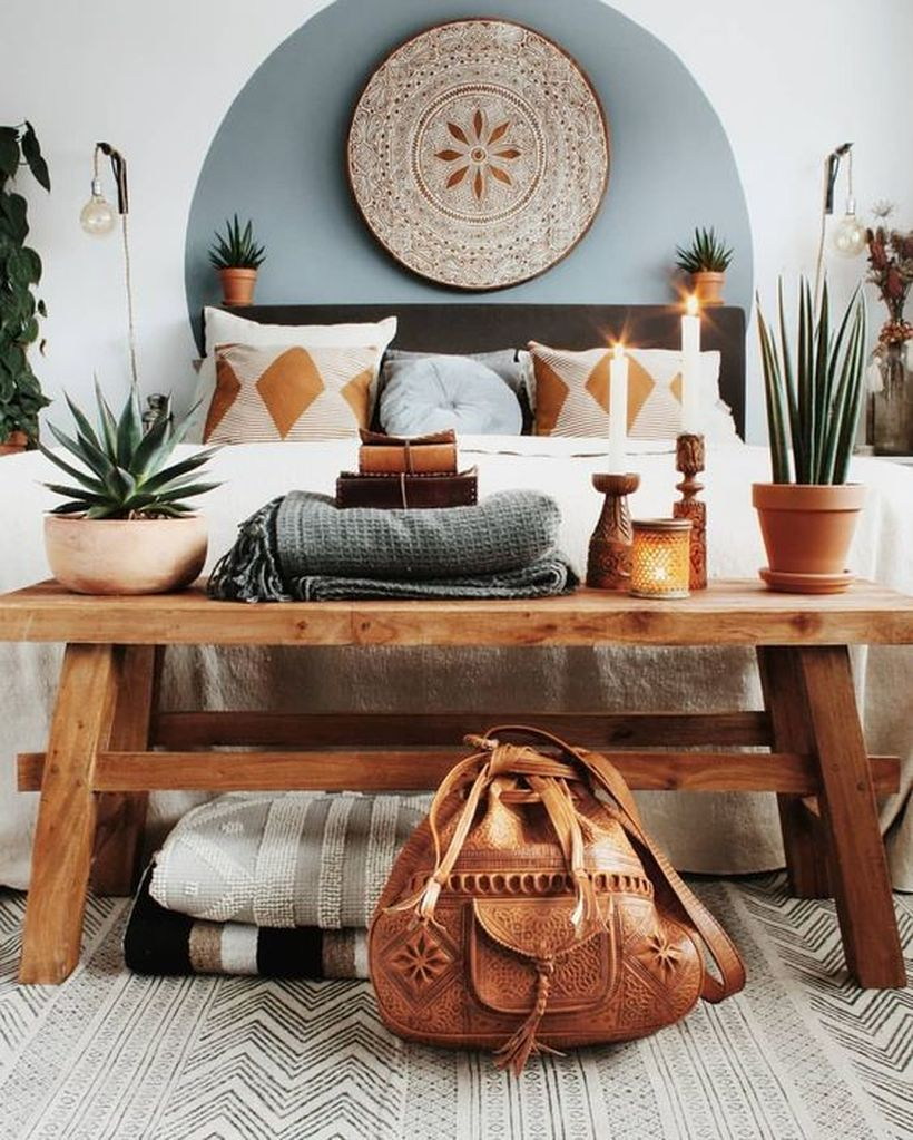 A stunning nature element furniture with rustic wooden bench that are fabulous for summer