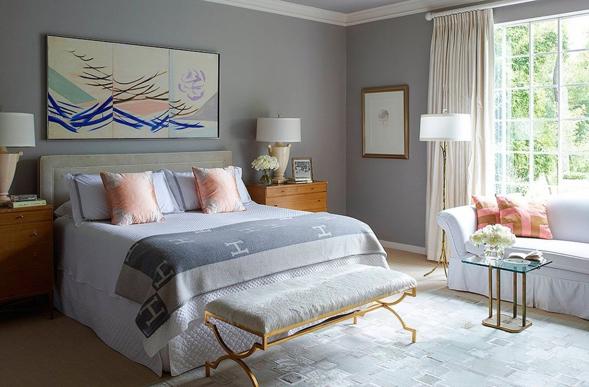 An amazing coral gray color in the bedroom to complete your room
