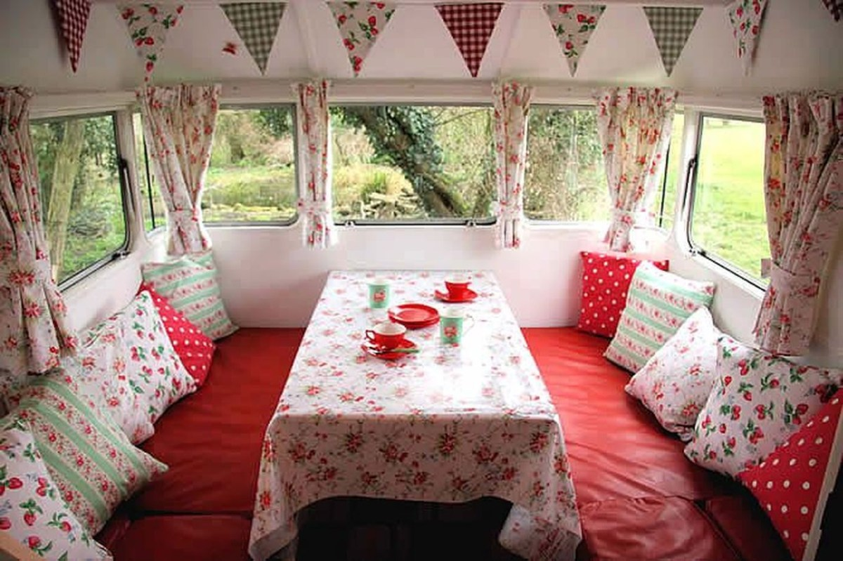 An awesome rv decoration with colorful triangular to make more beauty rv living room