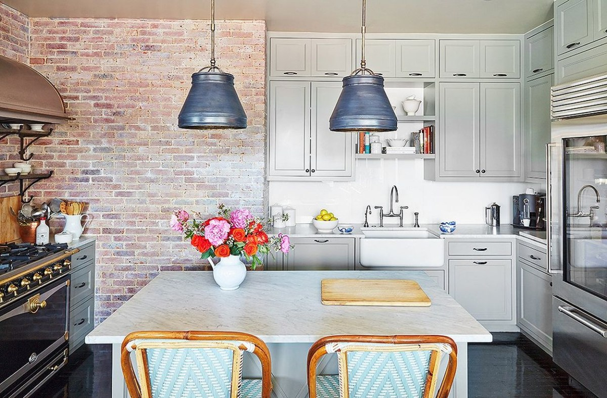 Beautiful coral gray color in the kitchen to make more beauty