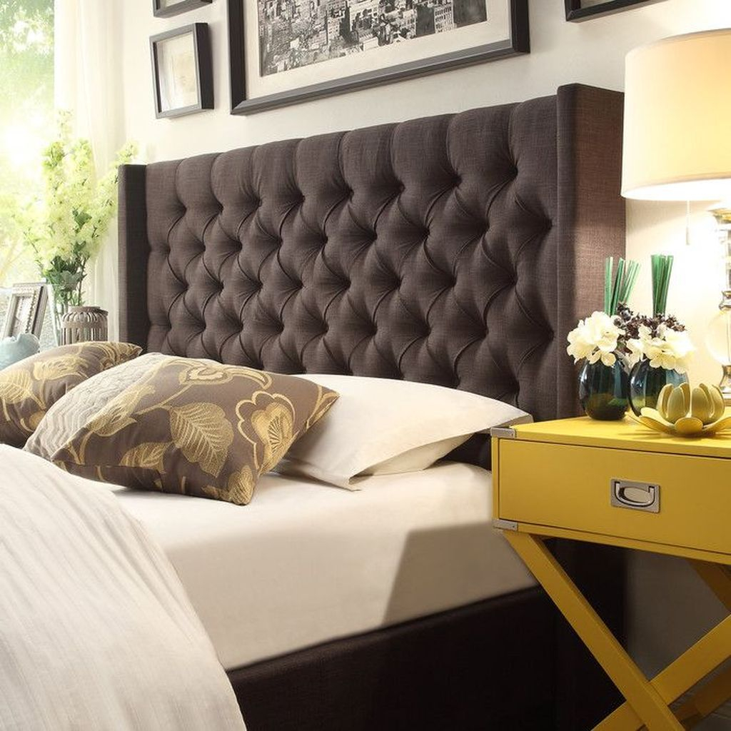 Brown headboard to perfect your modern bed